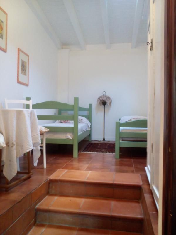 camera con due letti che può diventare 1 letto a castello o 1 matr.