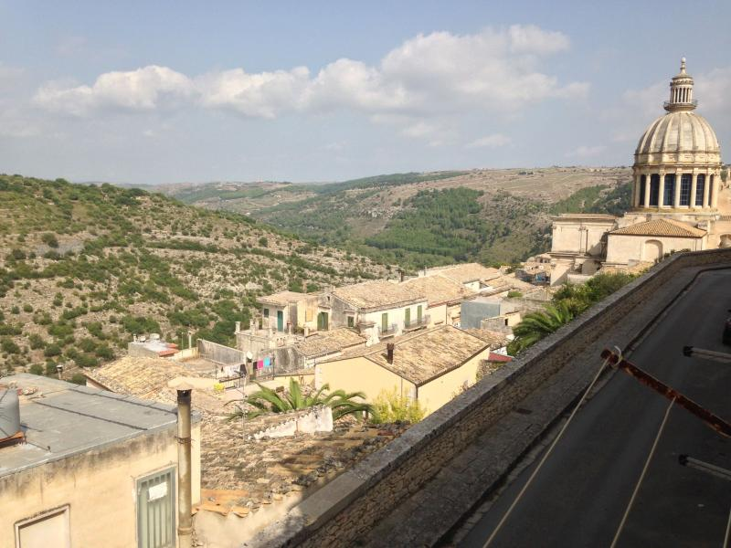 Baroccando Ragusa Ibla Short Lets PT, vacation rental in Ragusa