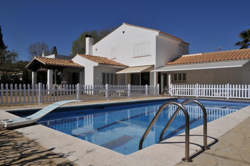 Mediterranean charming Villa, alquiler vacacional en Sant Pere de Ribes