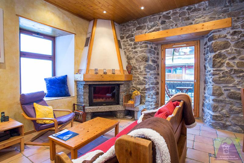 The fireplace and living room of the apartment in Chamonix centre