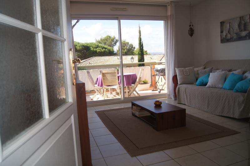 T2 de 43M2, expo sud, air conditionné, sud, holiday rental in Sainte-Maxime