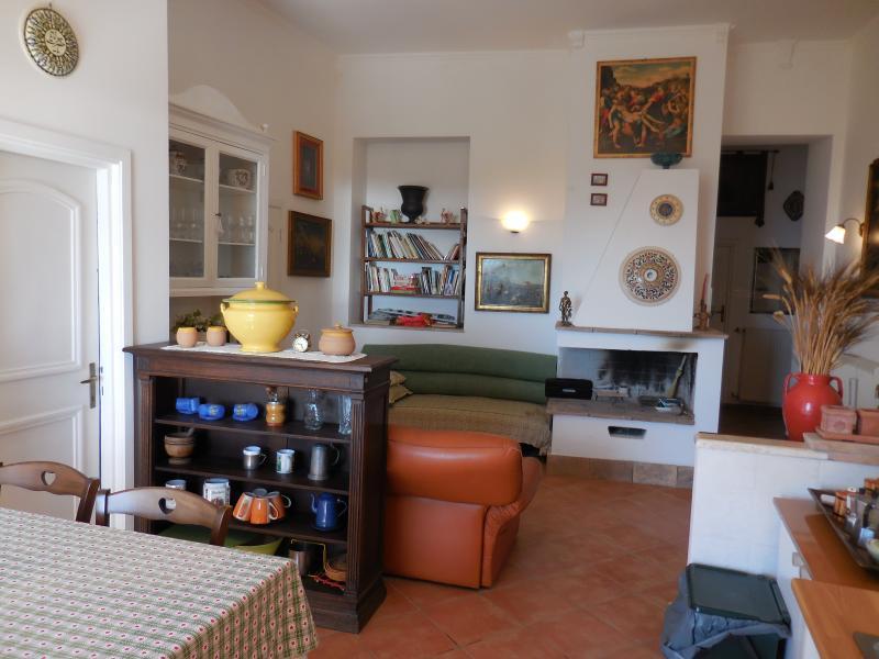 Appartamento in palazzo monumentale, alquiler vacacional en Bolsena