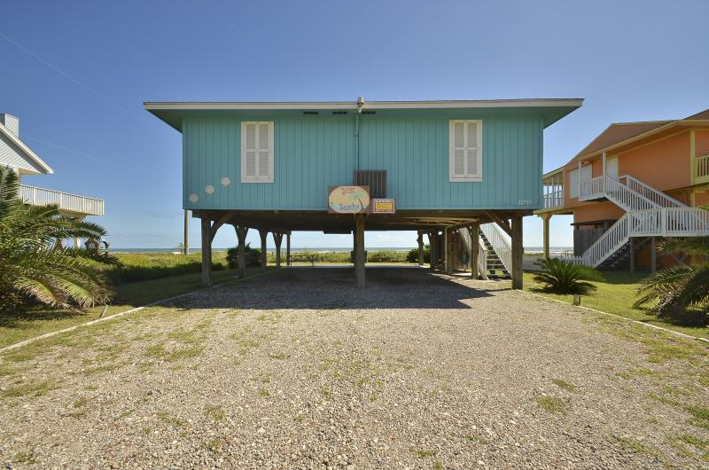 'Just Beachy' Beach Front 3 BR 2 Bath Home, location de vacances à Galveston