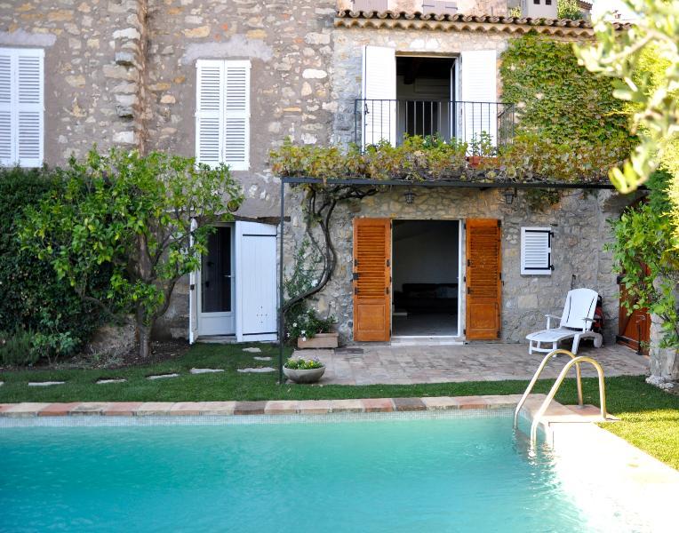 villa 2entrance