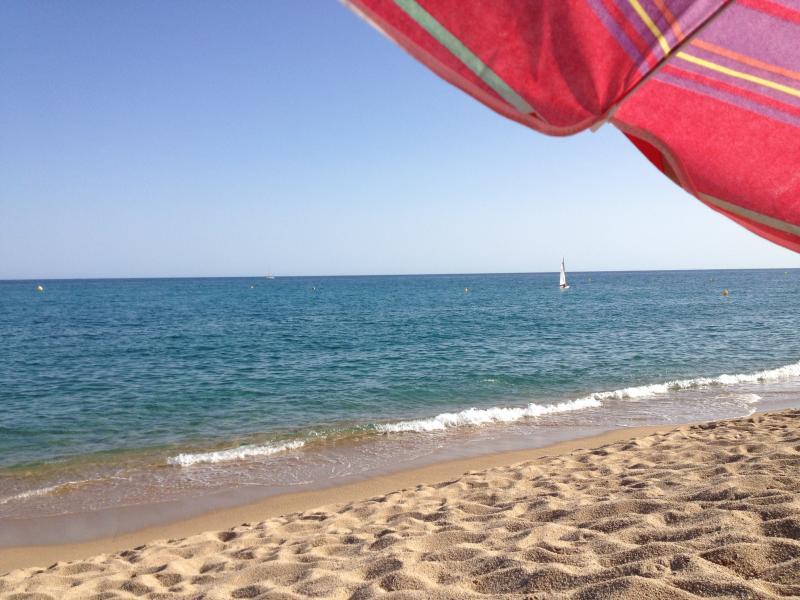 Costa/praia de Canet de Mar: Genieten van de Middellandse Zee /Enjoy Mediterrâneo