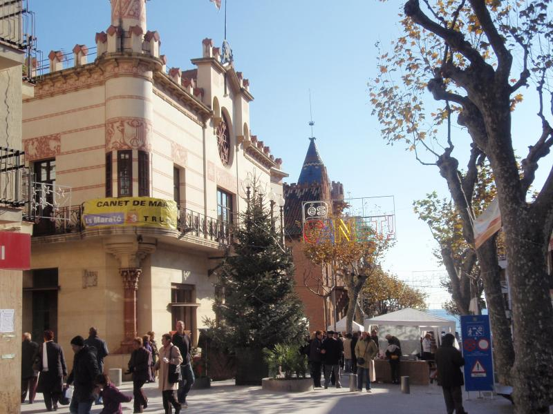 Canet de Mar: Plaza de la Llenya/'Els Cuatre Cantons'