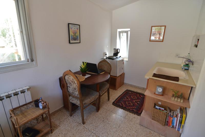 Sunshine Studio, holiday rental in Kefar Uriyya