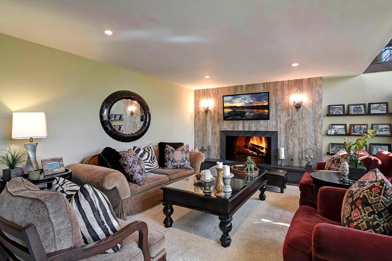 Woonkamer | Mooie meubels en designer details in overvloed. Comfortabel en intiem