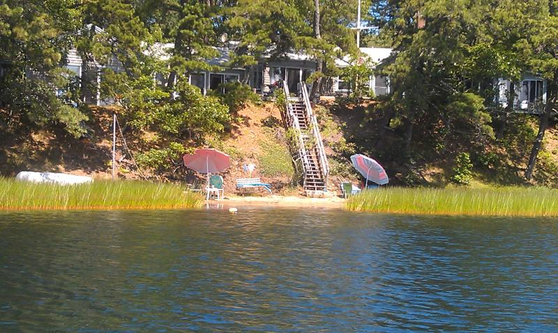 A lovely, 4 season 3 bedroom. vacation home  overlooking Great Pond in Wellfleet