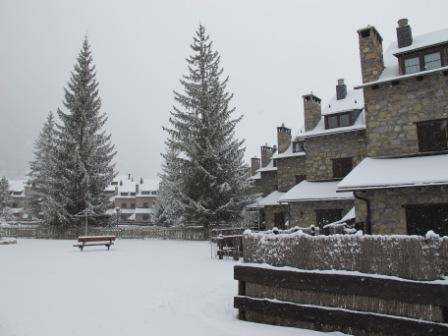 Apartamento  de esquí en Linsoles, holiday rental in Bisaurri
