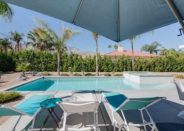 Modern Palm Springs Beauty w/  Private Pool & Mountain Views, holiday rental in Palm Springs