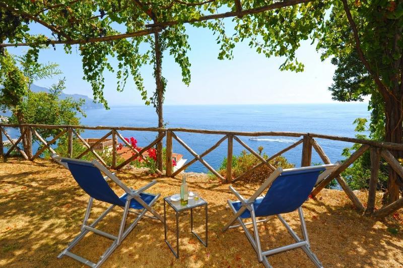 Terraza-jardín con vistas al mar