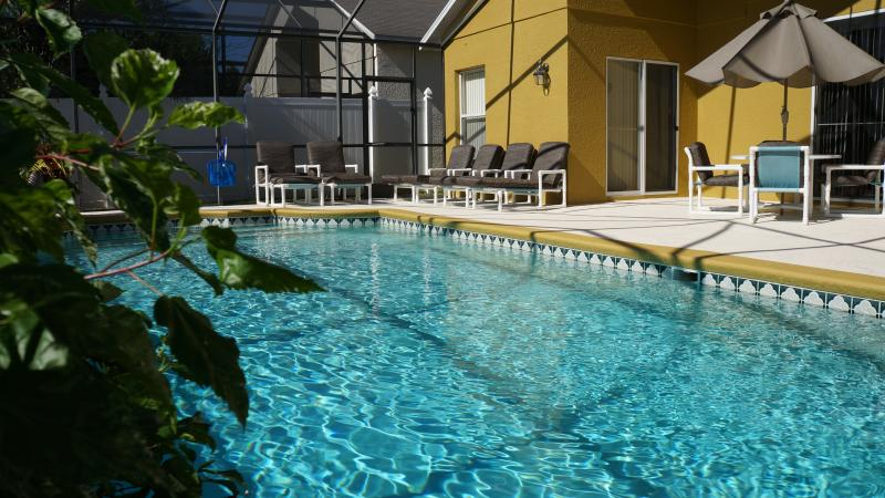 Family-Friendly Large Villa with a Pool, Jacuzzi,, alquiler de vacaciones en Kissimmee