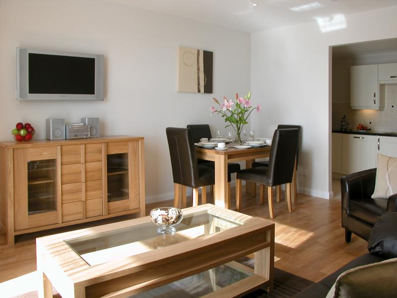 Liberty Wharf Apartments 1-bedroom Standard Apartment, holiday rental in Trinity