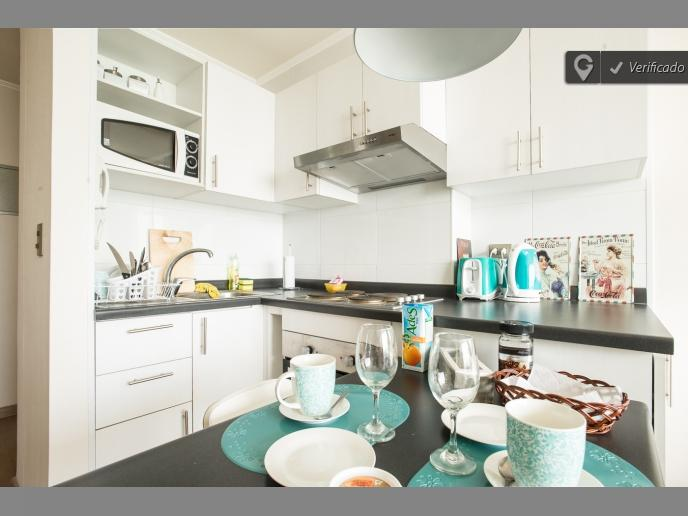 A4 Cozy , nice up to 4, subway 2B1B, vakantiewoning in Pudahuel