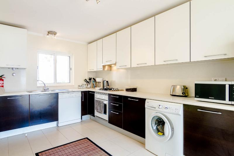 Fully fitted, fully equipped modern kitchen complete with all appliances