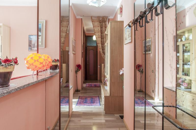 Nico&Cinzia Pink Suite!, Ferienwohnung in Sesto San Giovanni