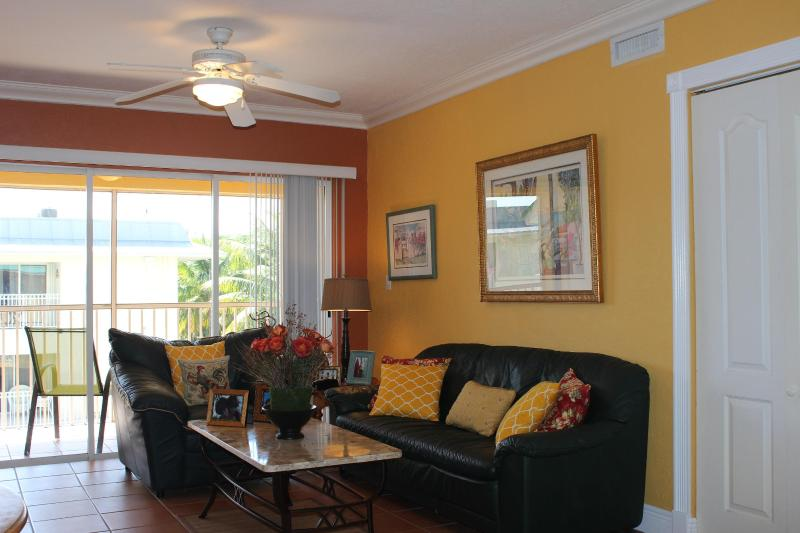 Key Biscayne Charming Apartment Steps From  Beach, casa vacanza a Key Biscayne
