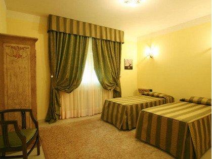 Spacious twin room - ask in advance if you prefer a double