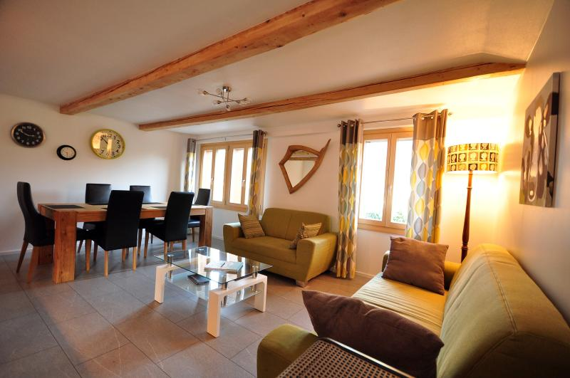 Jungfrau views.  Luxury 3 bed., location de vacances à Gsteigwiler