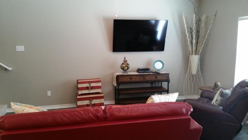 60' 1080p Flatscreen TV