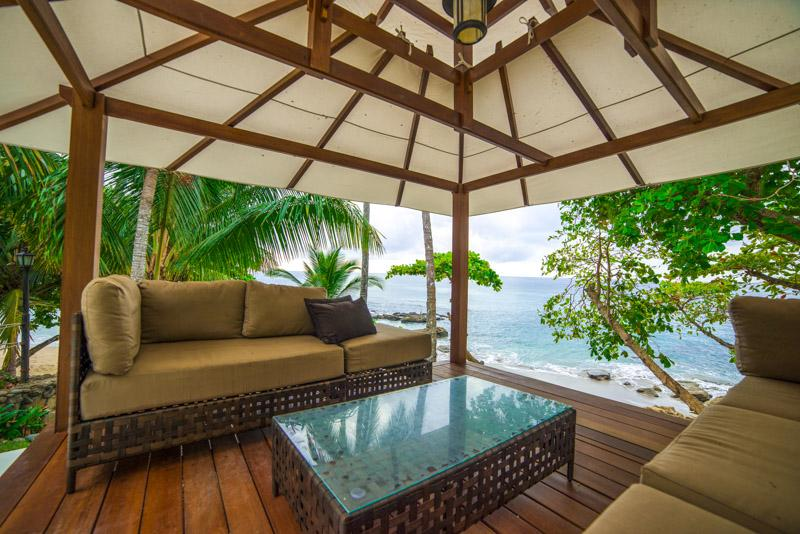 Beachfront Luxury Villa for up to 18 Guests!, alquiler de vacaciones en Nicoya