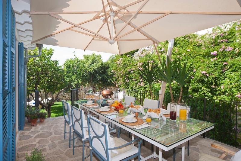 Terrasse neben Küche