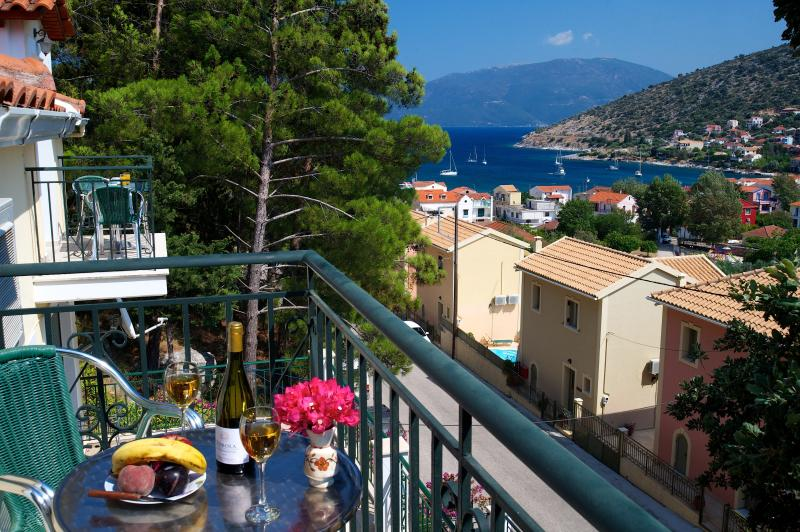 Faos Luxury 2 bedroom Attic,3d floor, vacation rental in Agia Efimia
