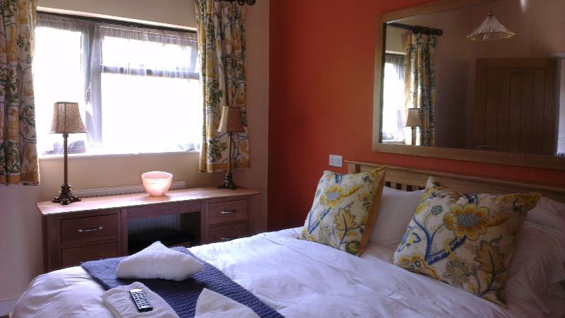 Schlafzimmer 2 mit King size Bett