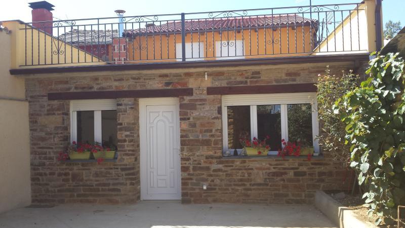 La Casa de la Abuela, aluguéis de temporada em Ceadea