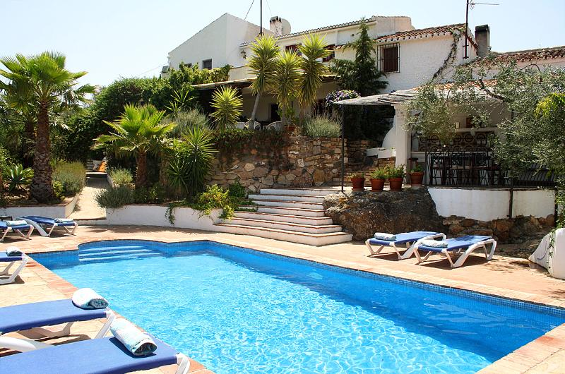 Once a busy mill, today a comfortable home just at the edge of the village of Los Romanes