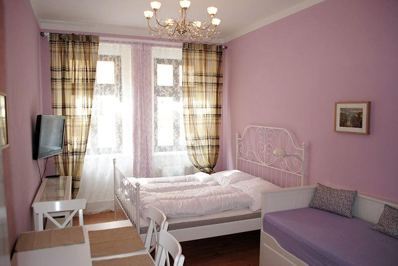 Dreams of Provence Ruterra Studio, vacation rental in Prague
