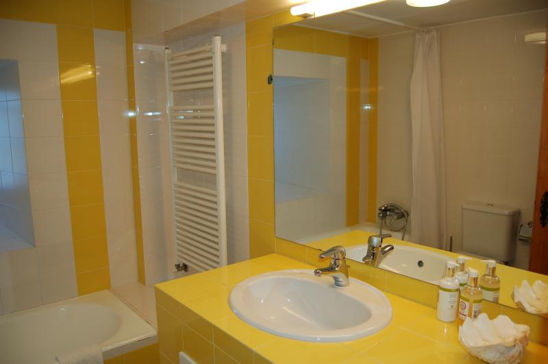 Bathroom (3) with shower over bath, bidet and toilet. Shared with bedroom 4 & 5 - Ground floor