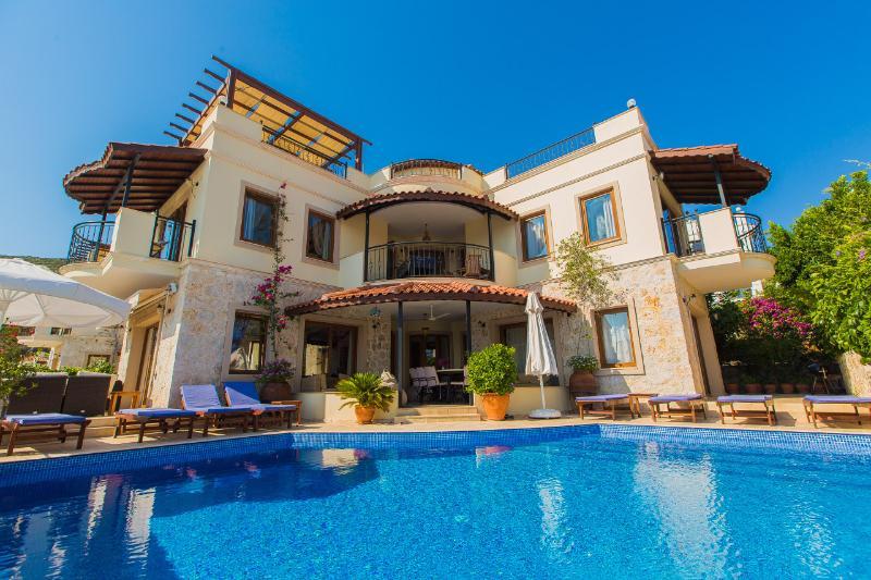 Villa Kismet, vista dalla piscina