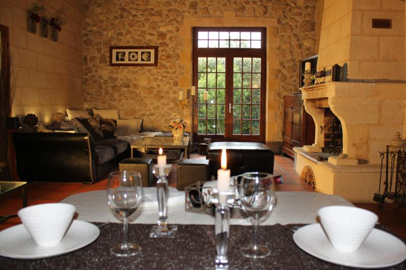 Maison de charme proche Bordeaux-Parempuyre, holiday rental in Saint-Louis-De-Montferrand