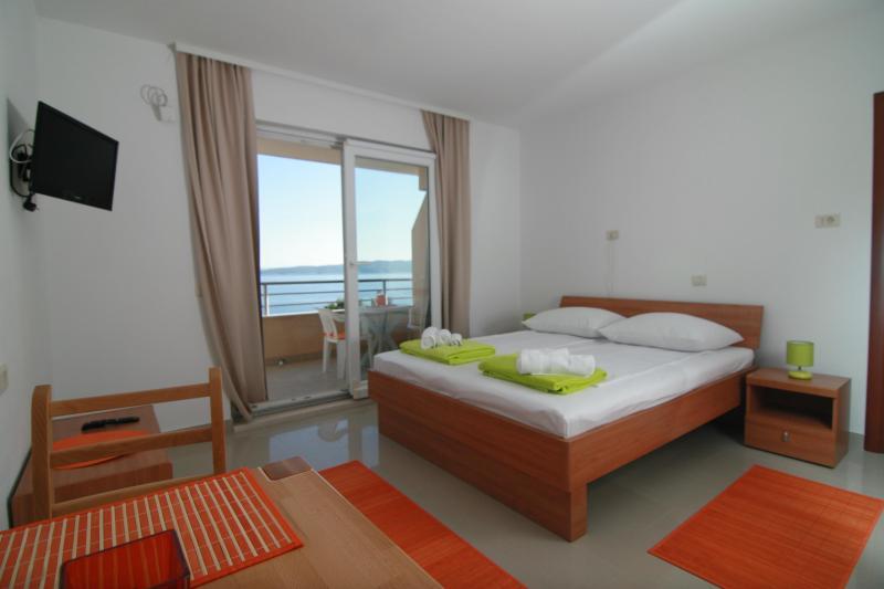 Apartments Ulix Brela - Studio, vacation rental in Brela