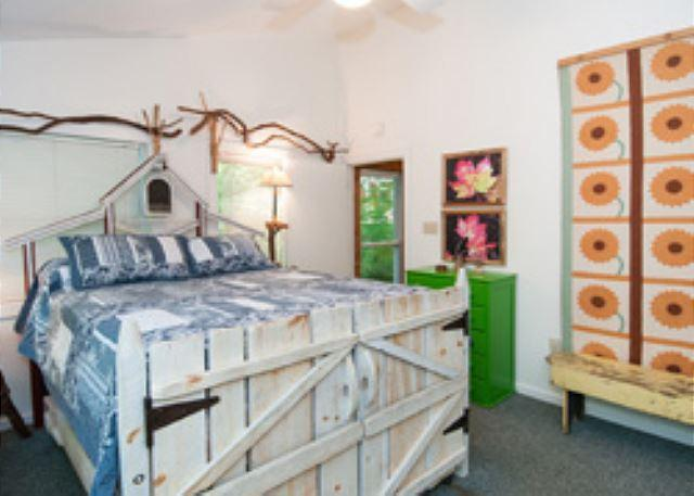 Master bedroom with Queen w/ full trundle