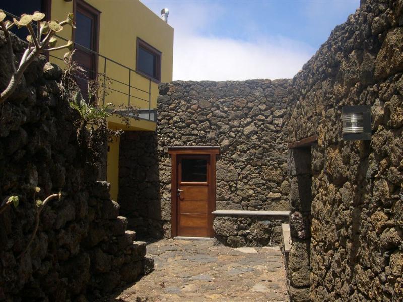 Casa Rural Las Rosas - Baja, vakantiewoning in El Hierro