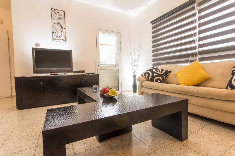 Sunlight Holiday Apartment, holiday rental in Meitar