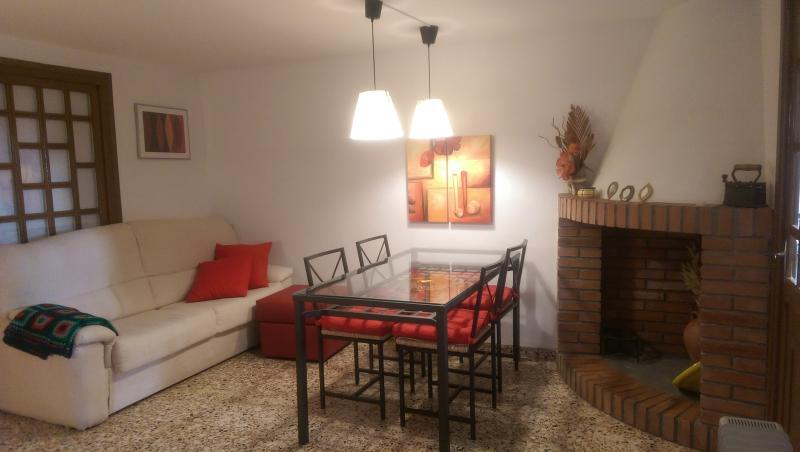 Alquiler apartamento céntrico, holiday rental in Province of Teruel