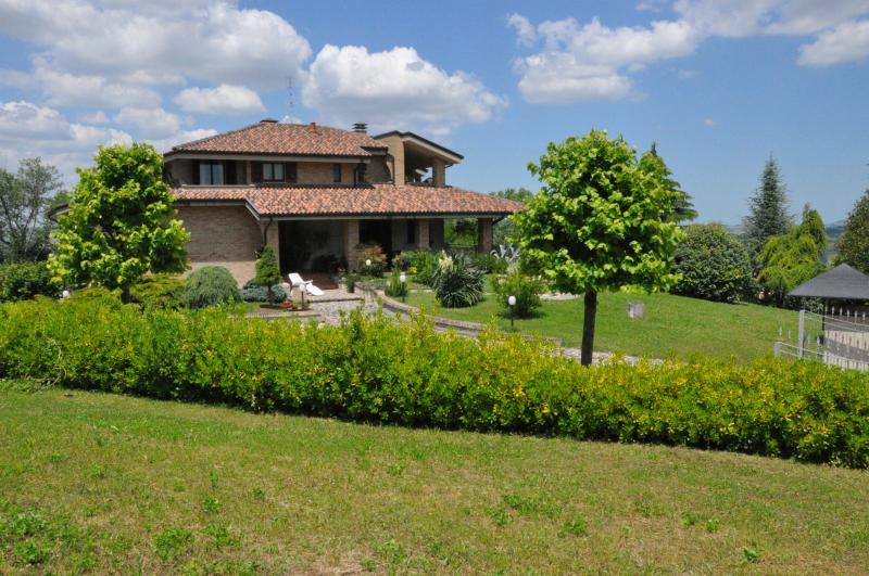 LA CASA DI TITTY- HOLIDAY HOUSE, vacation rental in Monte Giberto
