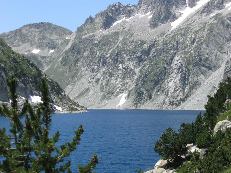 Lago en el Haut Pyreness