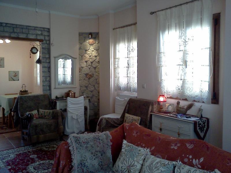 Dreamcatcher No. 2 - Luxury maisonette, holiday rental in Kleitoria