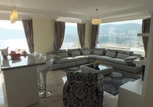 Open plan kitchen and lounge with great 360 degree views