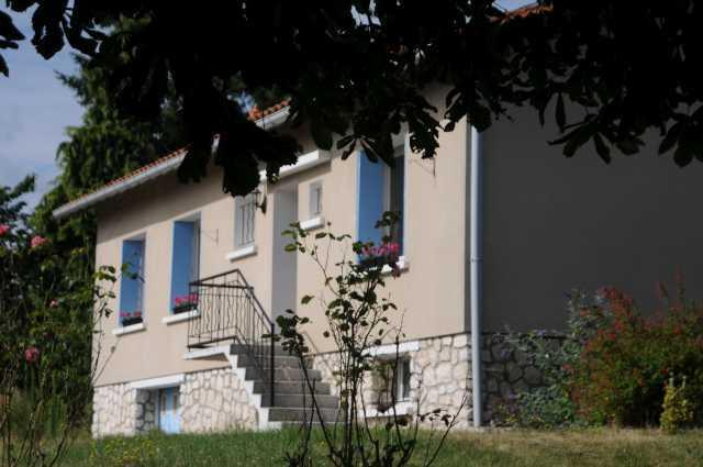 Orchard House at Bon Abri, holiday rental in Chenaud