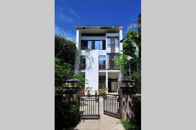 3-storey Luxurious villa, vacation rental in Sanya