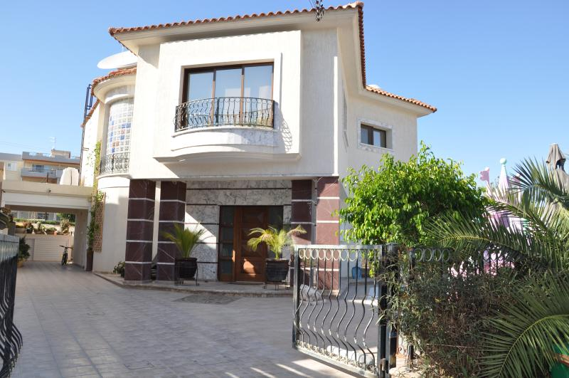Villa Stare in Casa, holiday rental in Agios Athanasios