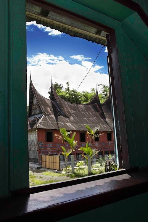 The house is located in kampong Kotomarapak, 7 km from down town Bukittinggi city
