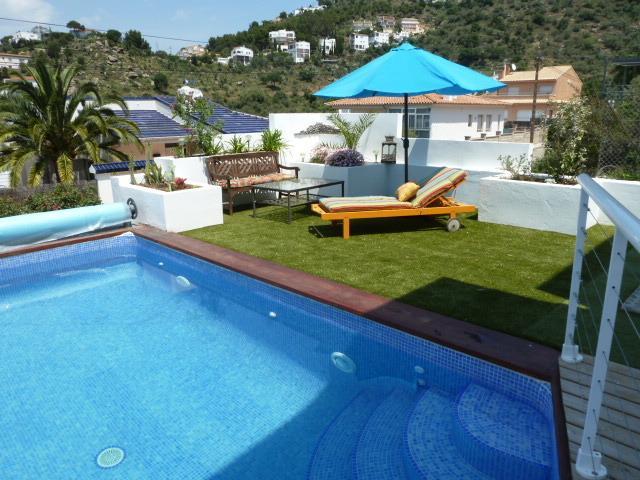 Villa AZUL  villa moderne a Rosas Espagne vue sur mer, holiday rental in Roses