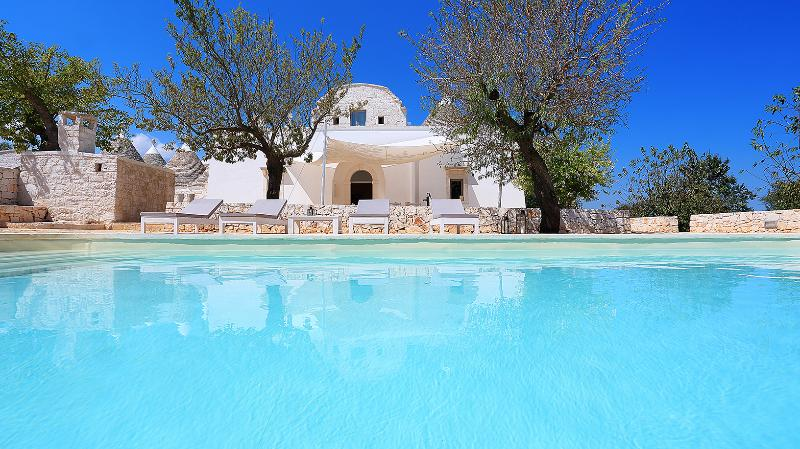 Masseria Gelso Bianco - Your farmhouse in Puglia!, vacation rental in Coreggia